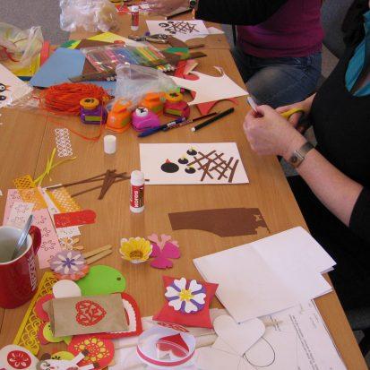 účastníci výtvarných dílen